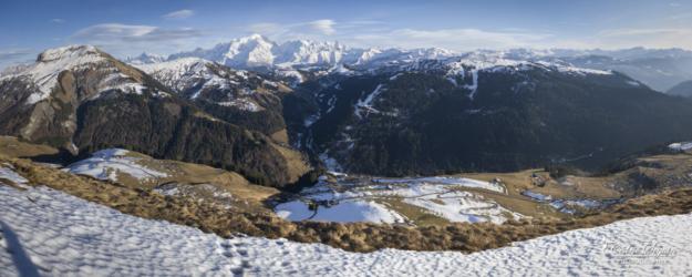 Vue sur le Mont-Blanc depuis la chaine des Aravis (73)